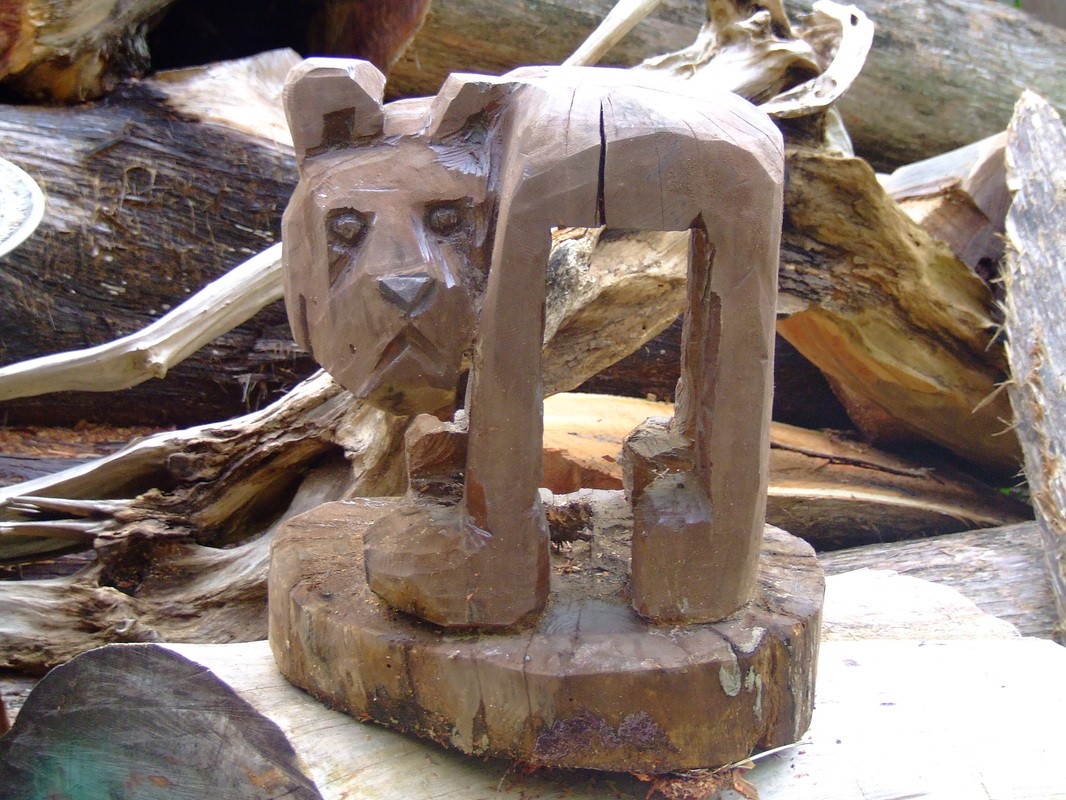 Bears james custom chainsaw carvings
